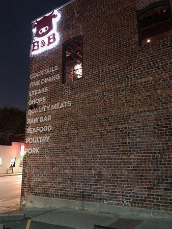 B & B Butcher & Restaurant - Houston : Building sign facing Washington Ave