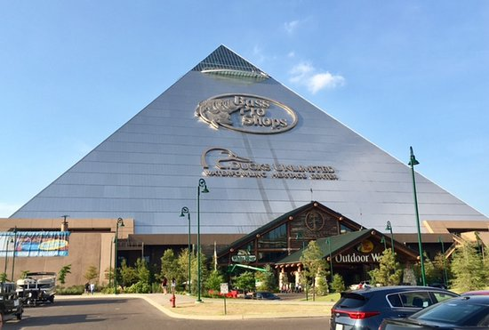 f2e039fab9a9 Bass Pro Shop Home to Uncle Buck s - Picture of Uncle Buck s Fish ...