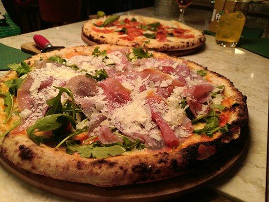 Excelentes pizzas a buen precio