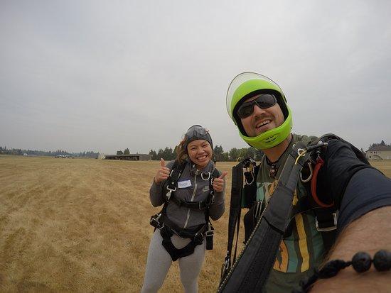 Skydive Oregon Inc: Just landed w/ my wonderful instructor, Turtle!