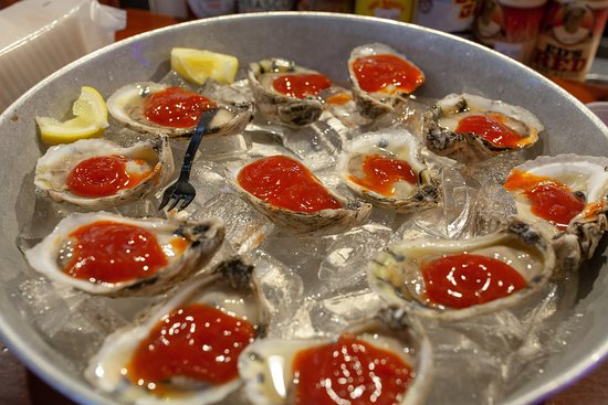 Simply Seafood & Oyster Bar: Oysters (Raw)