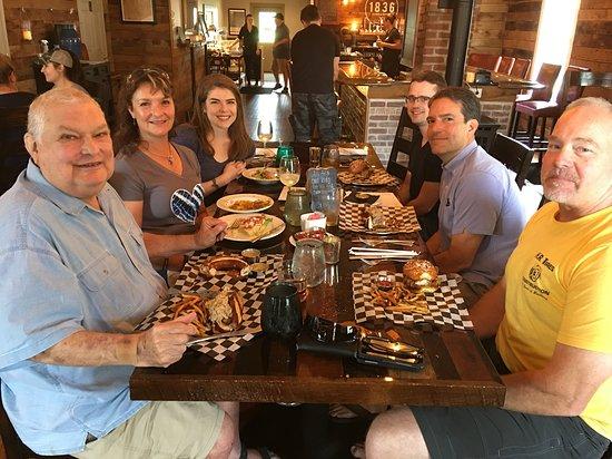 Lovettsville, فيرجينيا: An Impromptu Family Reunion