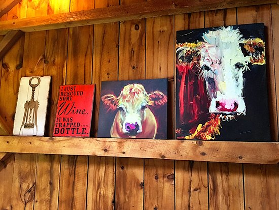 Amherst Farm Winery: Casual and comfy