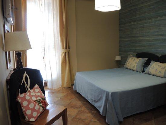 Camera da letto, piano primo - Bild von Favignana Hotel ...