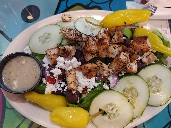 Currituck, NC: Greek salad with grilled chicken and classic burger with Swiss.  Yum-
