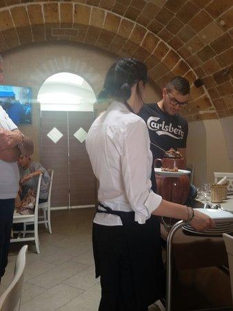 """Poggiorsini, Itália: Pecora alla """"rezola""""..😀"""