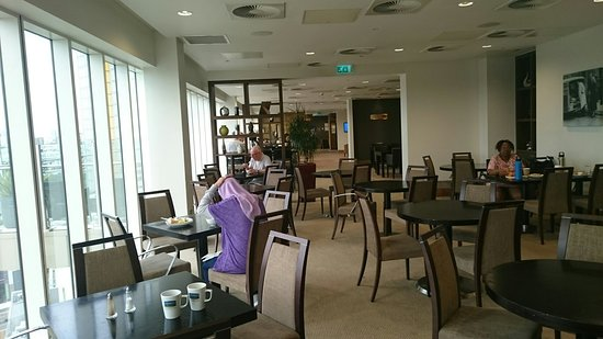 Staybridge Suites London-Stratford City: DSC_5211_large.jpg