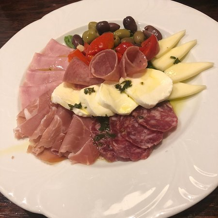 Brazi's Italian Restaurant: photo0.jpg
