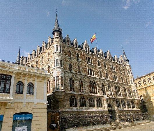 Museo Gaudí Casa Botines
