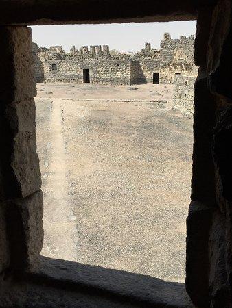 Azraq, Jordania: da una finestra