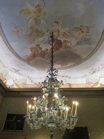 Salle 4 Lustre En Verre De Murano Plafond Peint Allégorie Du