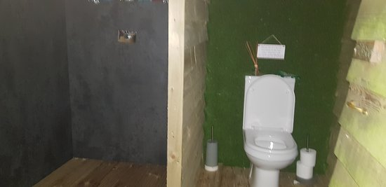Hot powerful shower and toilet