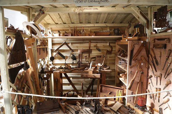 Breteuil, Francia: les outils du menuisier