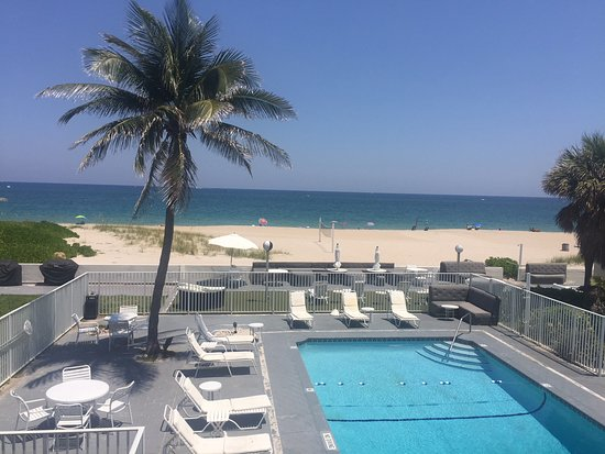 Pool - Coral Tides Resort and Beach Club Photo
