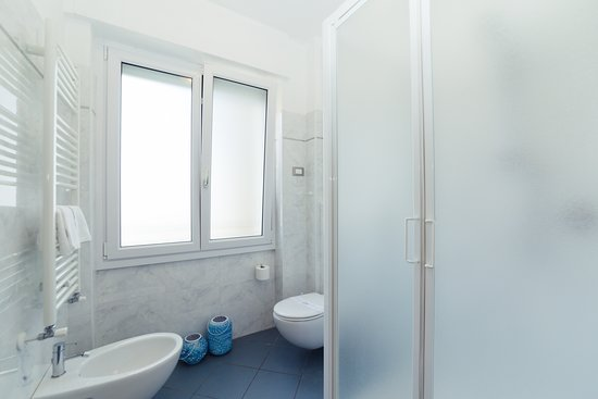 Sanitari E Box Doccia.Sanitari E Box Doccia Bagno Tirlocale Picture Of Residence