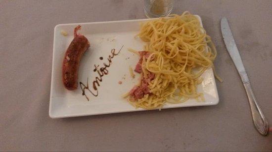 Peyreleau, France: Assiette de mon fils
