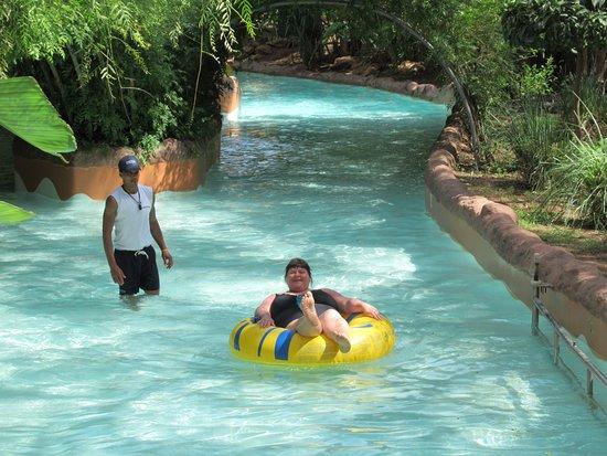 Oasiria Water Park: По реке