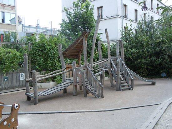 Square Léo Ferré