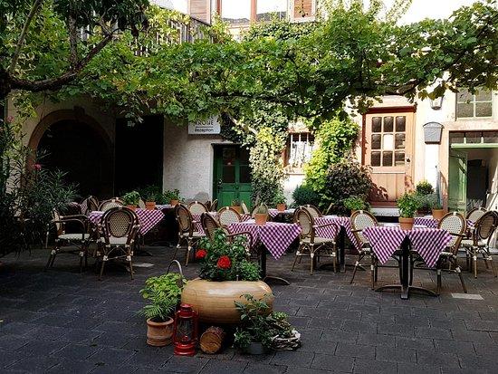 Maintal, Germany: In unserem Sommerhof ist es sehr gemütlich. Kommen Sie vorbei!