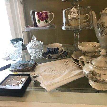 Port Gamble, واشنطن: A quaint gift and tea house