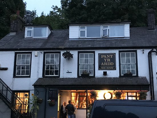 Tregarth, UK: Village pub