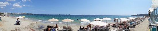 Sant Jordi, Spania: Panoramica della spiaggia