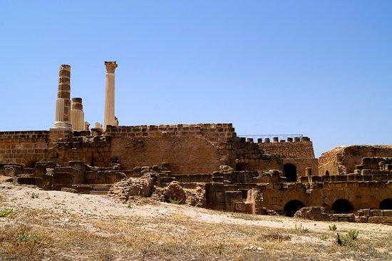 Ben Arous, Tunísia: Храм Юпитера, вид сбоку