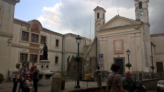 Fontana Della Bella Flora