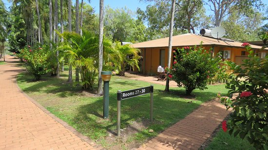 Cooinda Lodge Kakadu: 4 rooms per house... clean and correct! (But no wifi ).