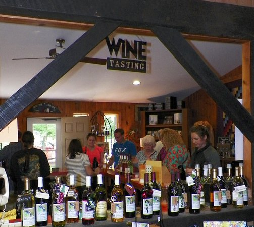 Smicksburg, PA: The tasting room at the Windgate Winery