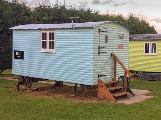 Fillongley, UK: One of the Shepherd's Huts