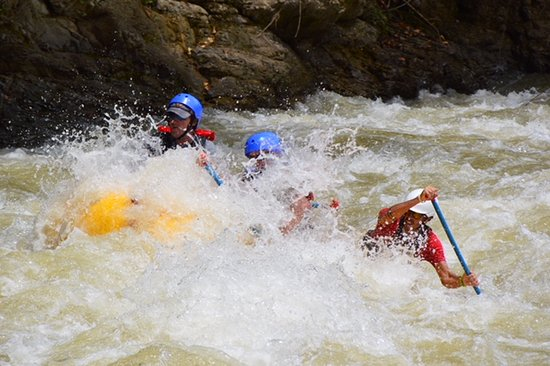 Pro Rafting Costa Rica: Swoosh and splash