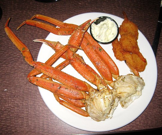 Somerton, AZ: Crab legs at the Friday Night Seafood buffet