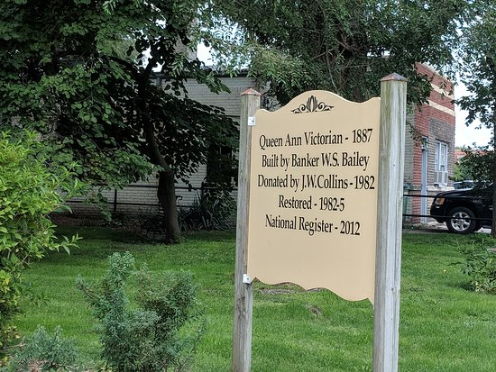 Macomb, IL: Brief history of the house
