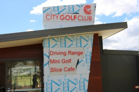 Toowoomba, Australia: Come visit our Driving Range, Mini Golf and Cafe on South St.