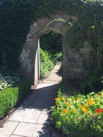 The Ardilaun Hotel: The Irish arch