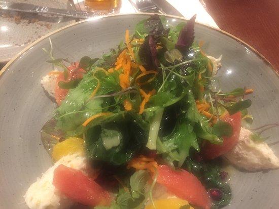 The Ardilaun Hotel: Aridlaun Bistro salad