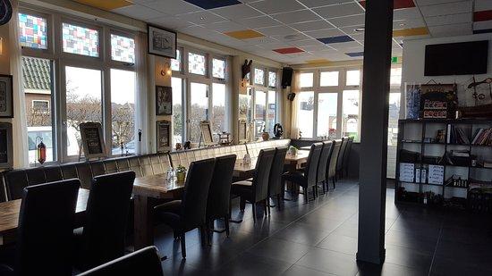 Uithoorn, Holandia: Restaurant Lakeside gezellig en knus