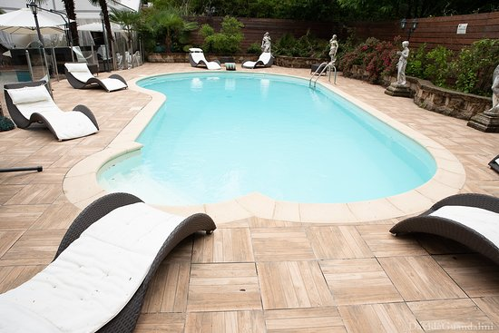 Varallo Pombia, Italie: piscina