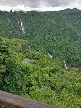 Anisakan Falls: IMG_20180826_111427_large.jpg