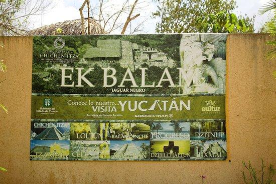 Ek Balam: Eingangsschild