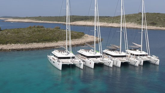 Kastel Gomilica, Κροατία: Adriatic Sailing - our 4 catamarans with crew