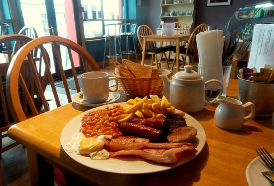 Easkey, Ireland: Full Irish breakfast. (includes tea and toast)