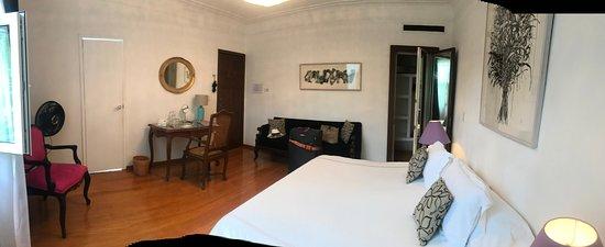 Casa Comtesse: great spacious bedroom.