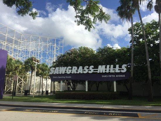 Sawgrass Mills: 巨大な入り口