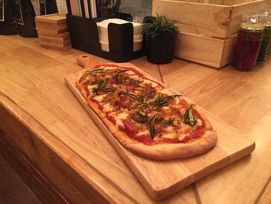 Jack's - Gourmet Coffee & Food: Chili B B Q Pizza
