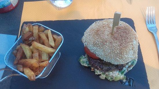 Morieres-les-Avignon, France: Burger foie gras