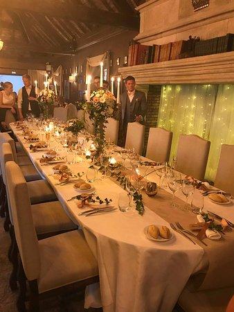 Montagnole, Francja: La table des mariés et leurs amis