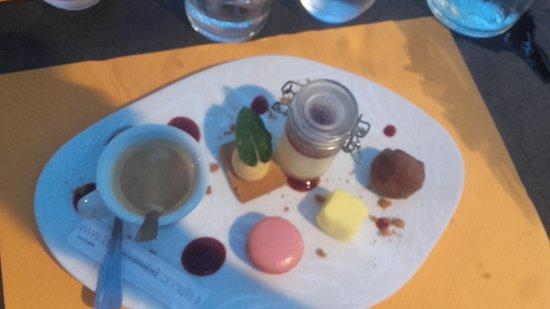 Morieres-les-Avignon, France: Café gourmand
