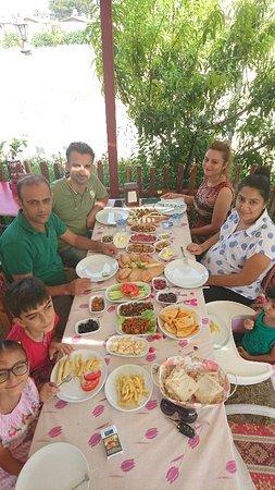 Arsuz, Турция: Özel gün ve davetlerde Eylül Kahvaltı Evi ve Cafe hizmetinizdedir...